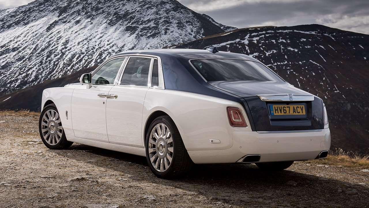Задняя часть Rolls-Royce Phantom 8