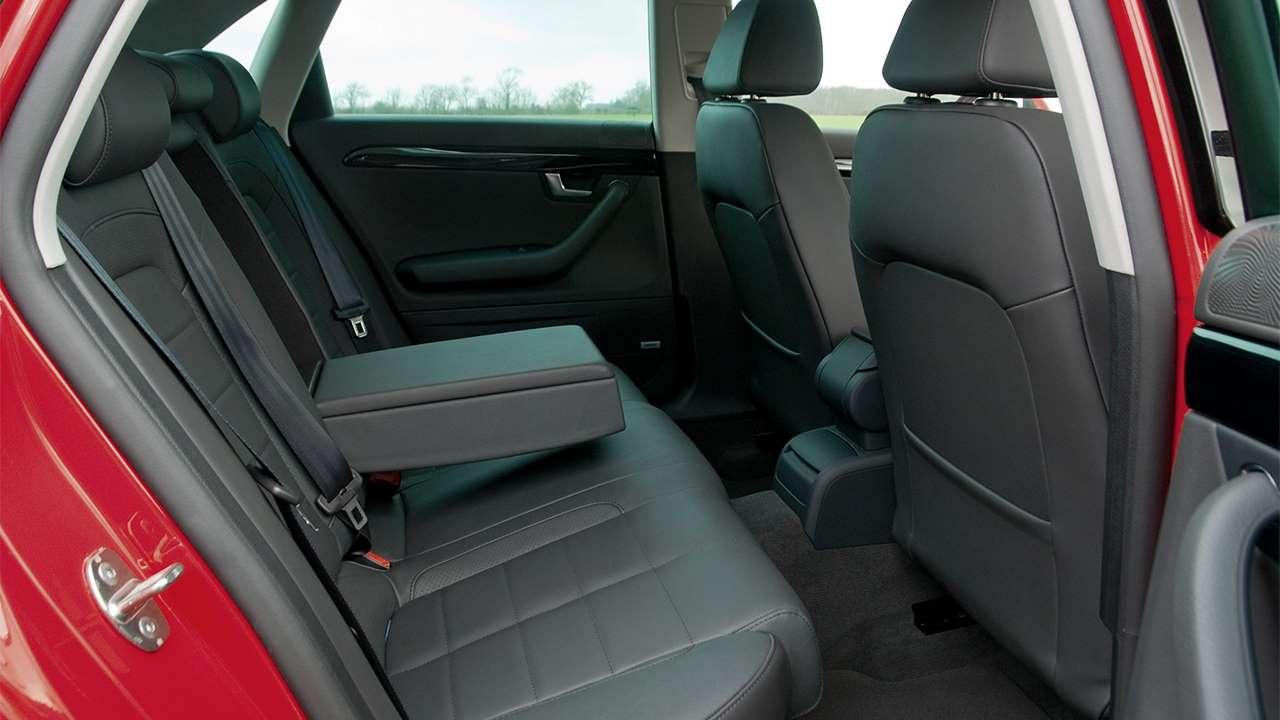 Второй ряд сидений SEAT Exeo