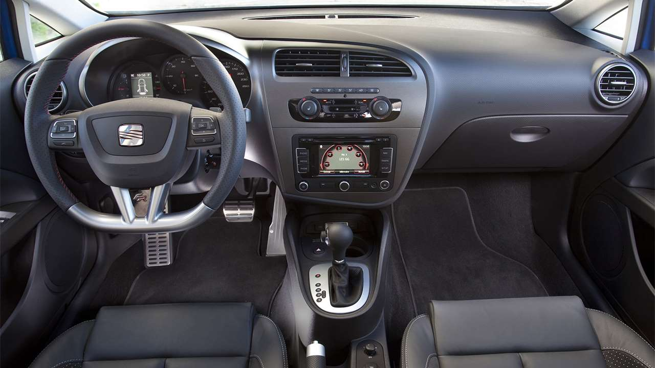 Рестайлинговый салон SEAT Leon 1P