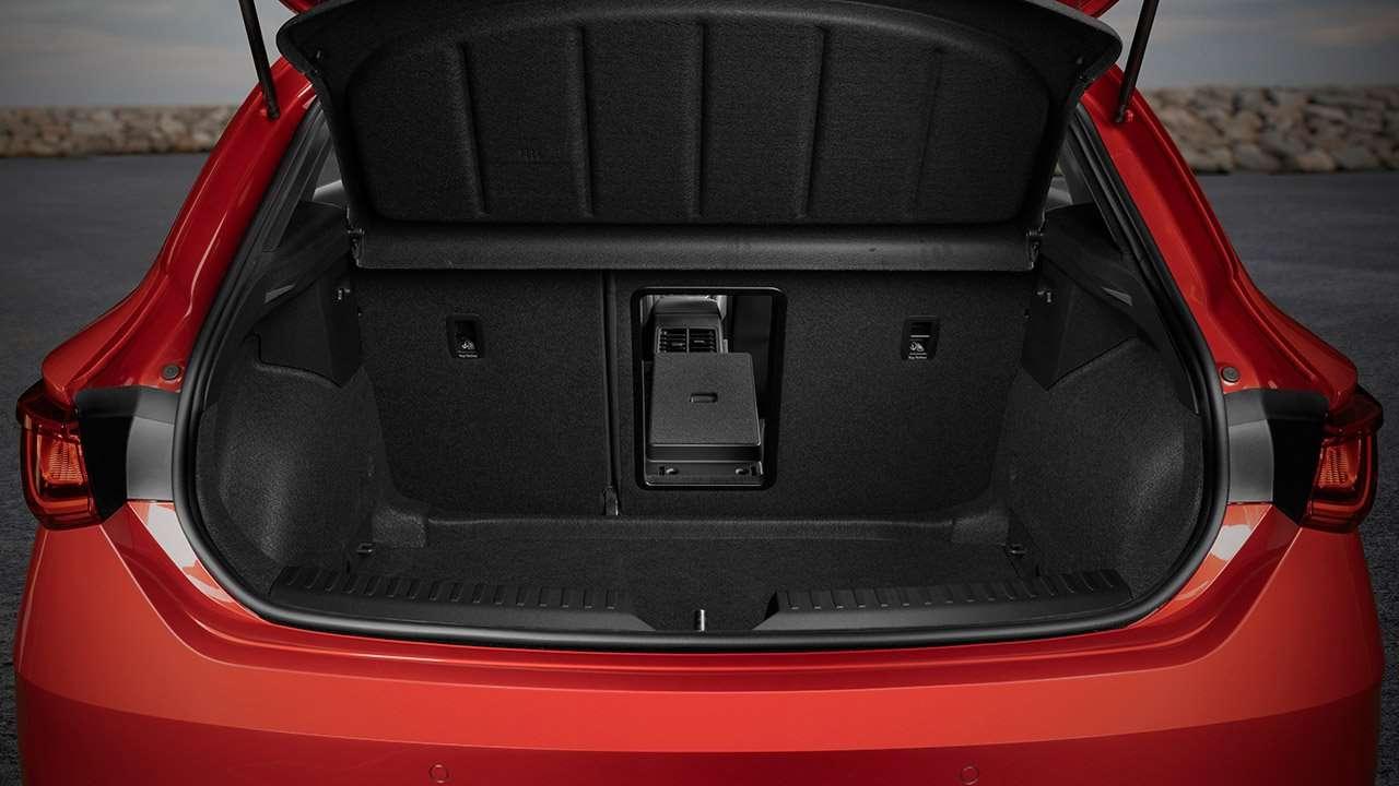 Багажник хэтчбека Seat Leon
