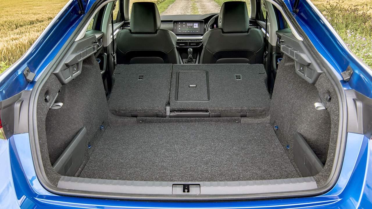 Фото багажника Skoda Octavia A9