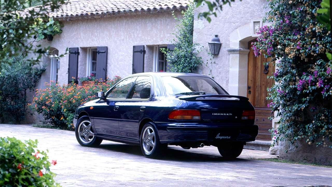 Задняя часть Subaru Impreza 1 поколения