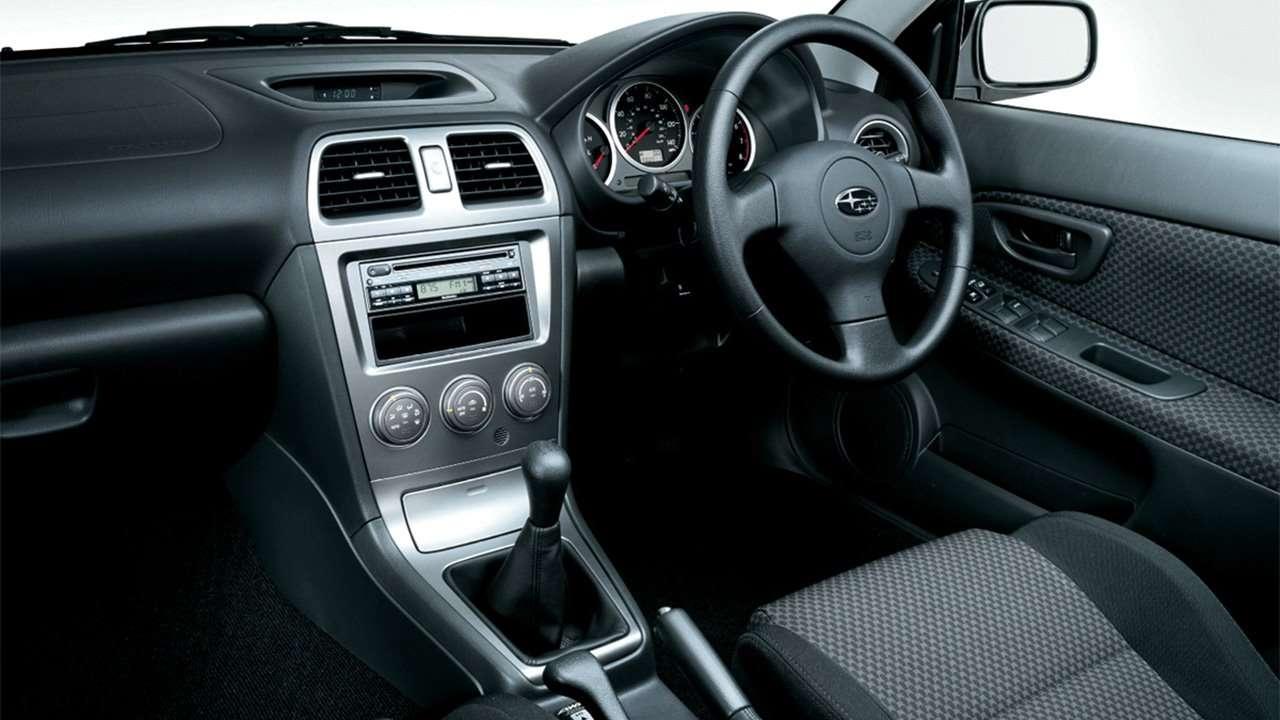 Салон второй Subaru Impreza