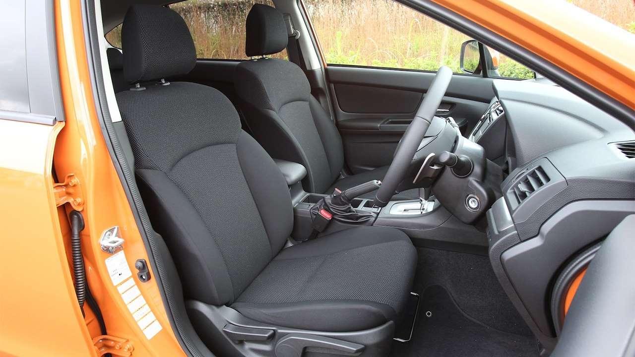 Передние сиденья Subaru XV 2012-2016