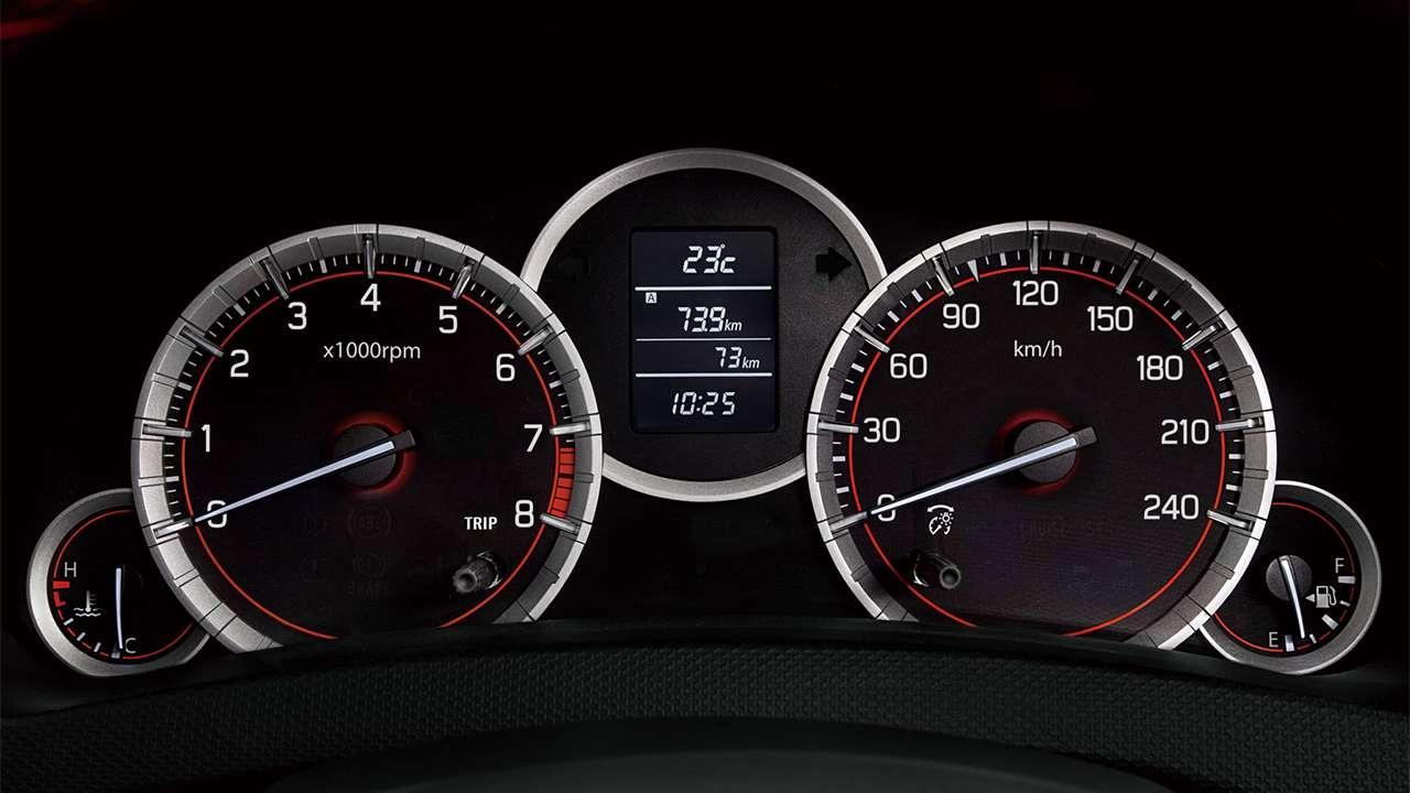 Панель приборов Suzuki Свифт 4