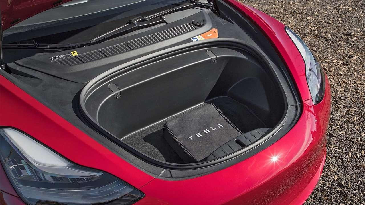 Фото багажника Tesla Model 3