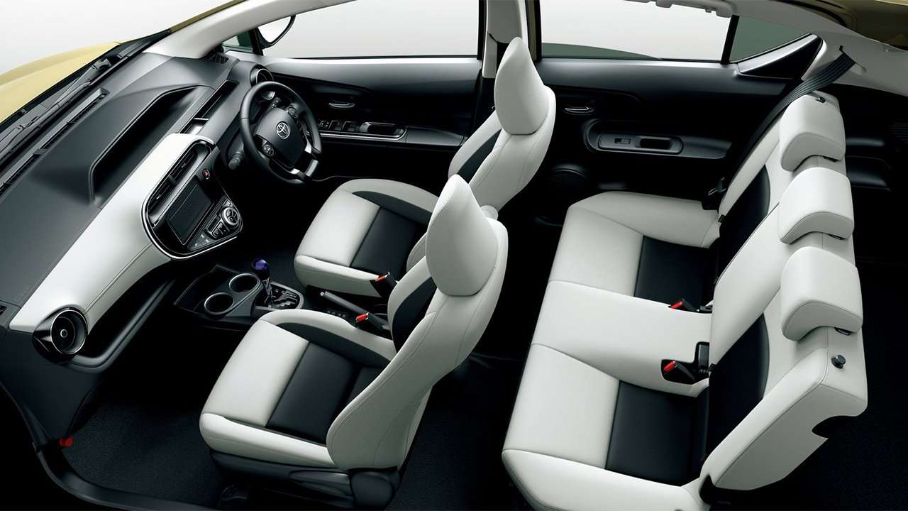 Все сиденья Toyota Aqua Hybrid