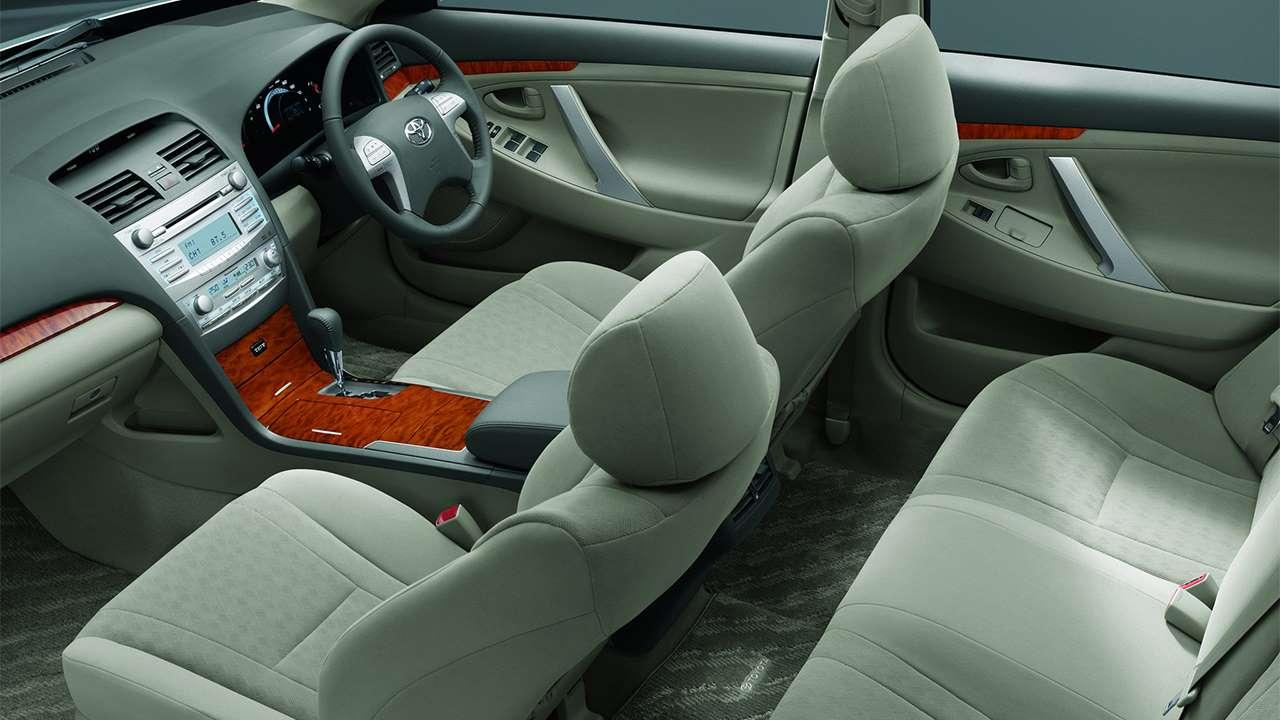 Сиденья Toyota Aurion