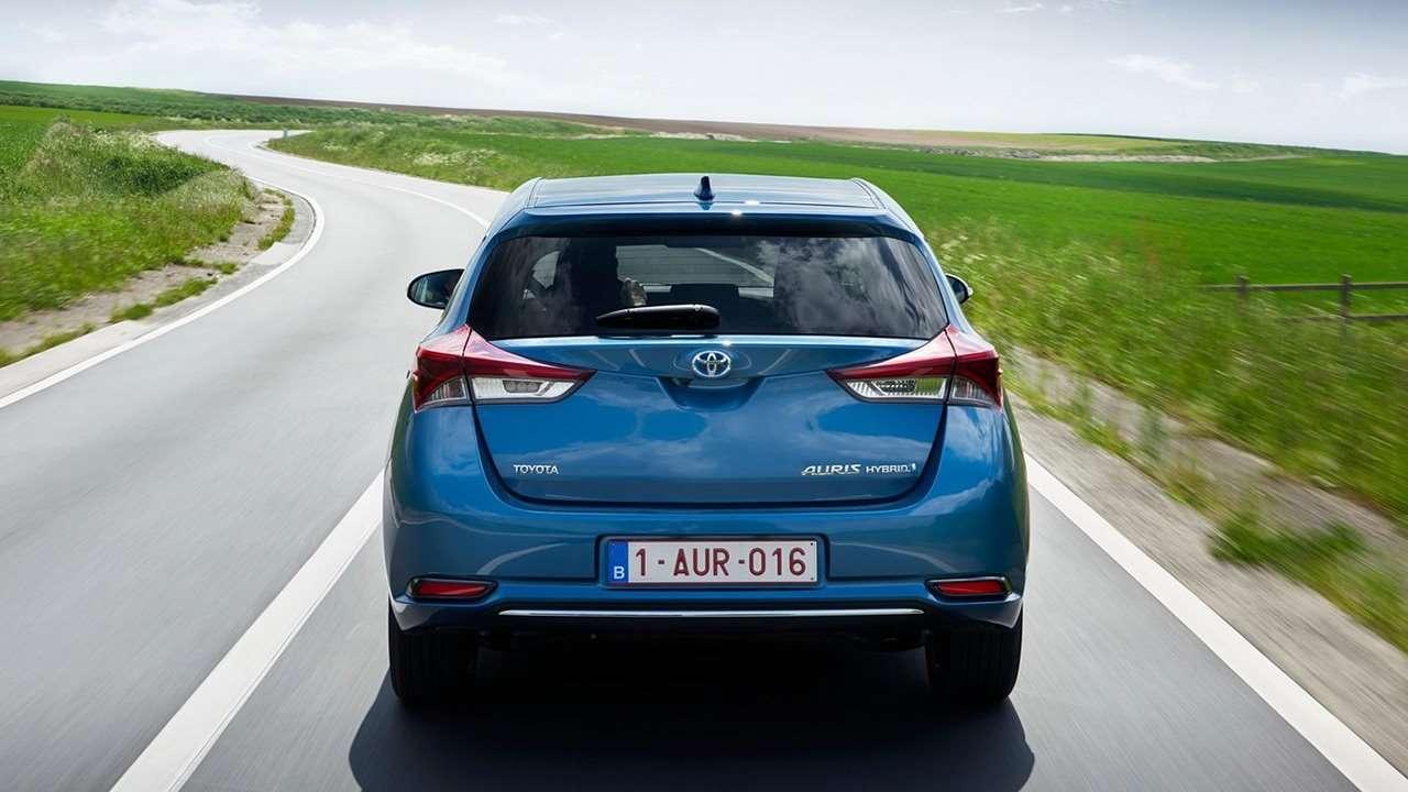 Toyota Auris 2019-2020 фото сзади