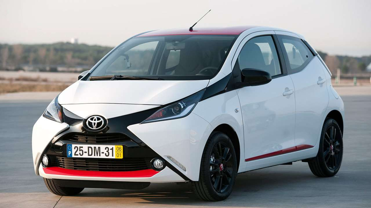 Toyota Aygo (2018-2019) фото спереди
