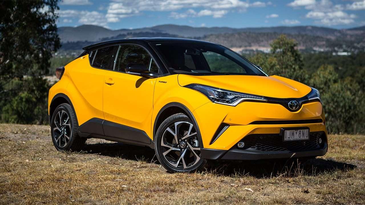 Toyota C-HR 2020-2021 фото спереди