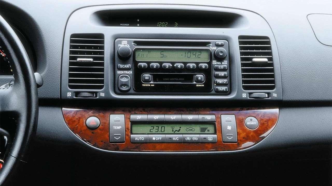 Штатная магнитола Toyota Camry XV30