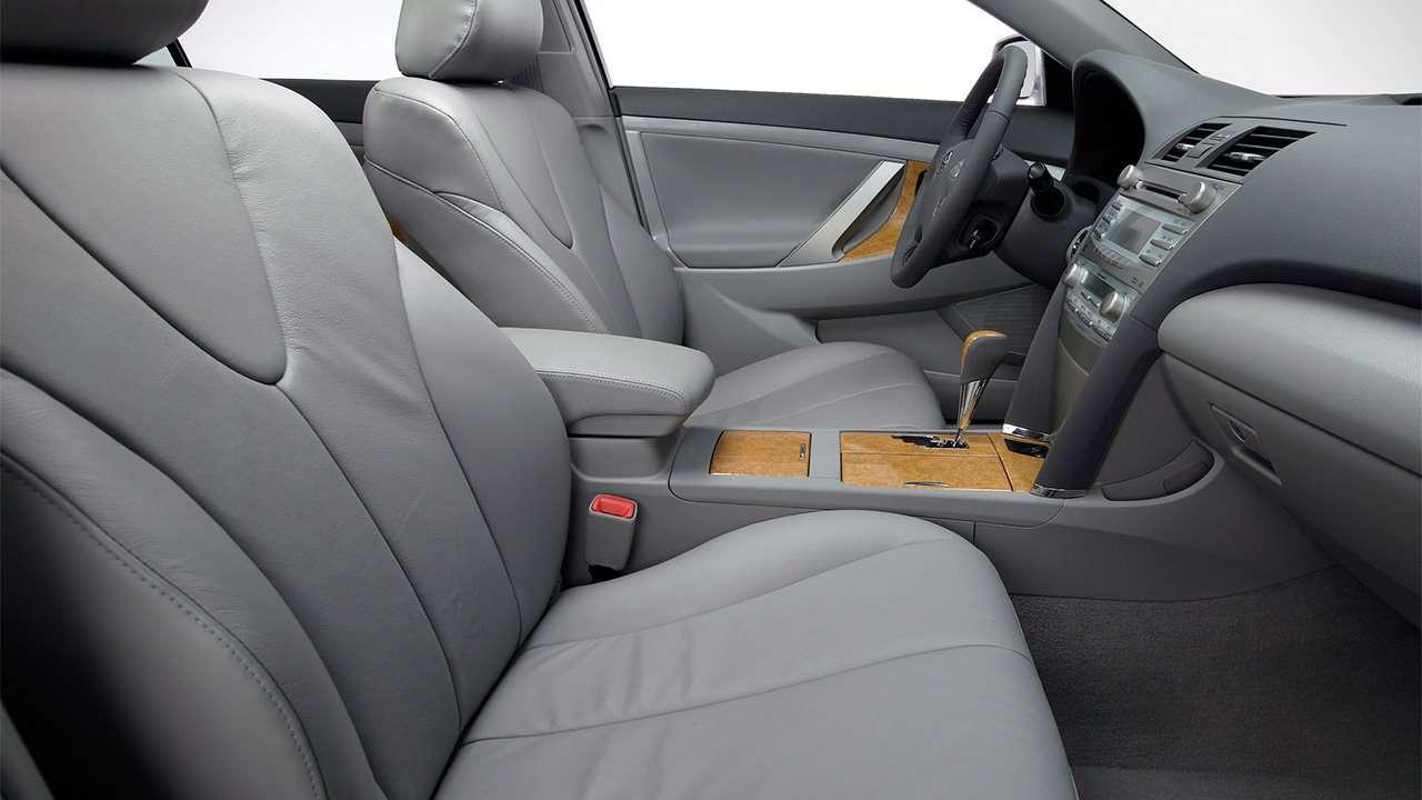 Передние сиденья Камри XV40