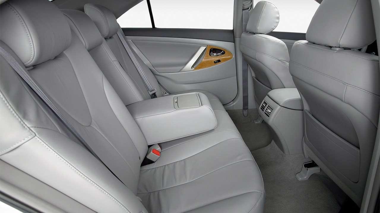 Задние места Toyota Camry XV40
