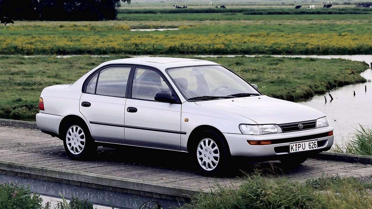 Седан Toyota Corolla E100