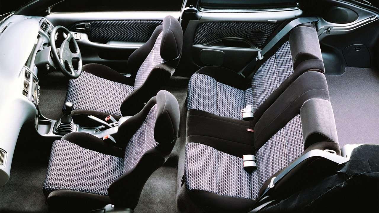Все сиденья седьмого поколения Corolla