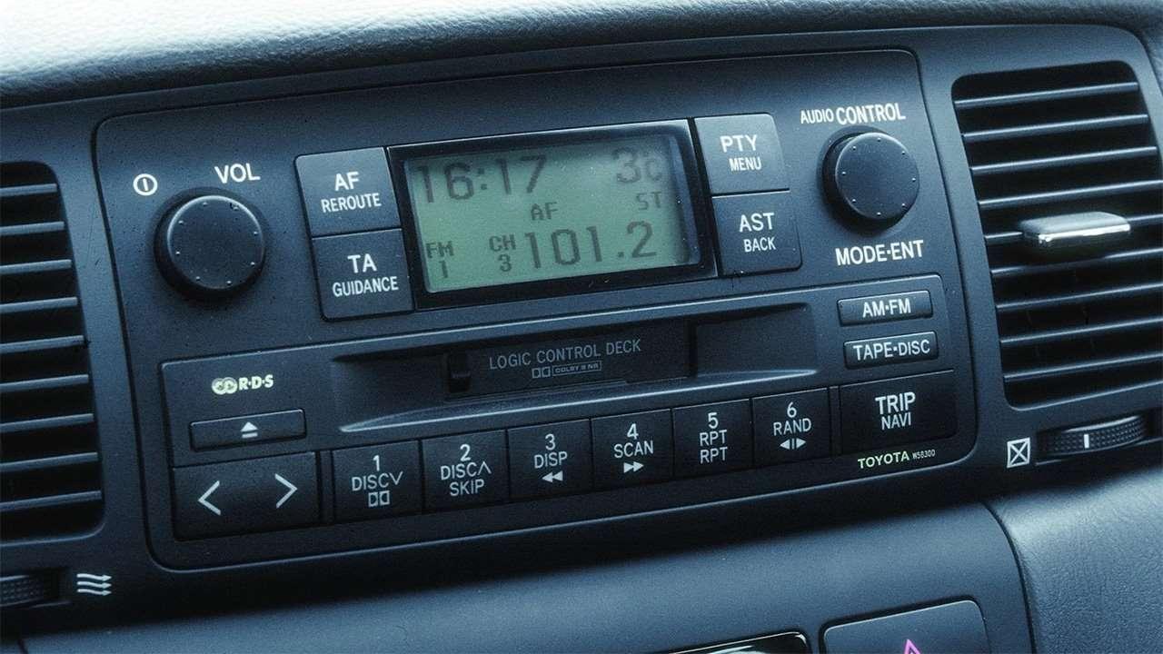 Штатная магнитола Corolla E120
