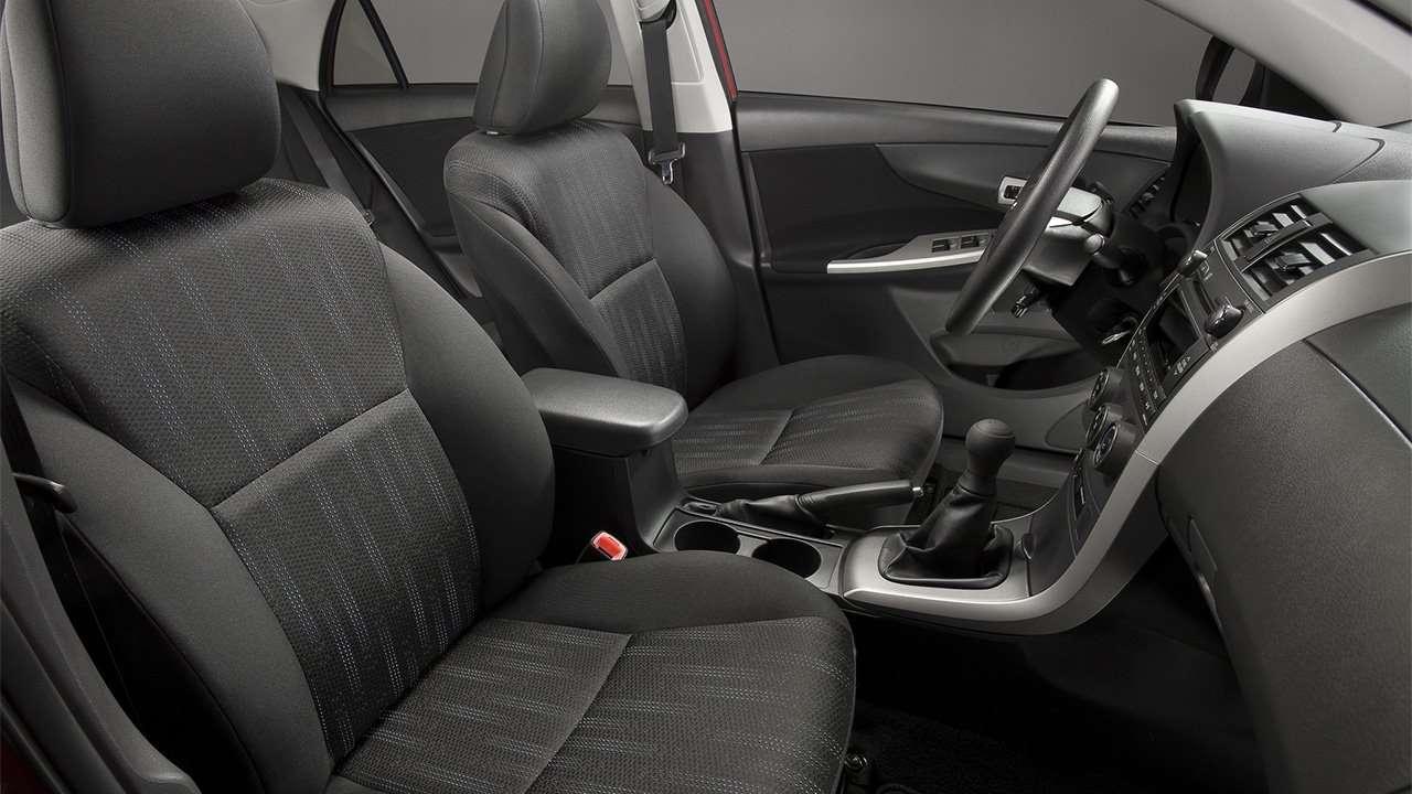 Передние сиденья Corolla E140