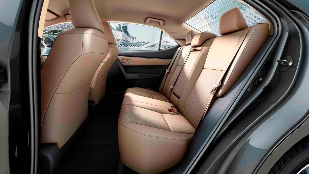 Задние сиденья одинадцатой Corolla