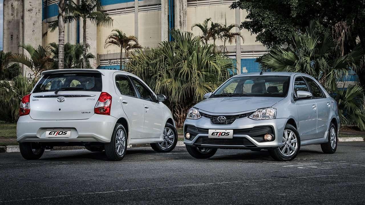 Седан и хэтчбек Toyota Etios