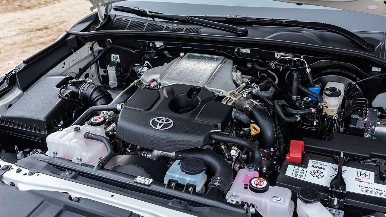Фото двигателя Тойоты Хилукс 2018-2019