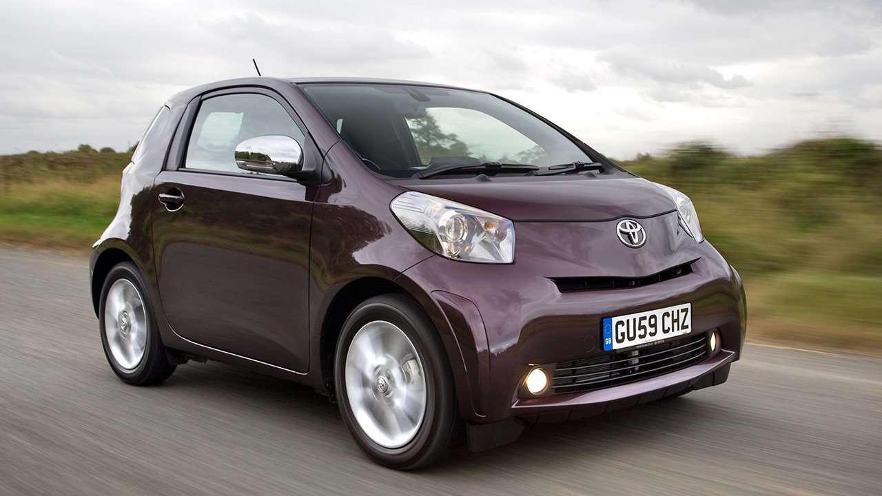 Toyota iQ 2009 фото спереди