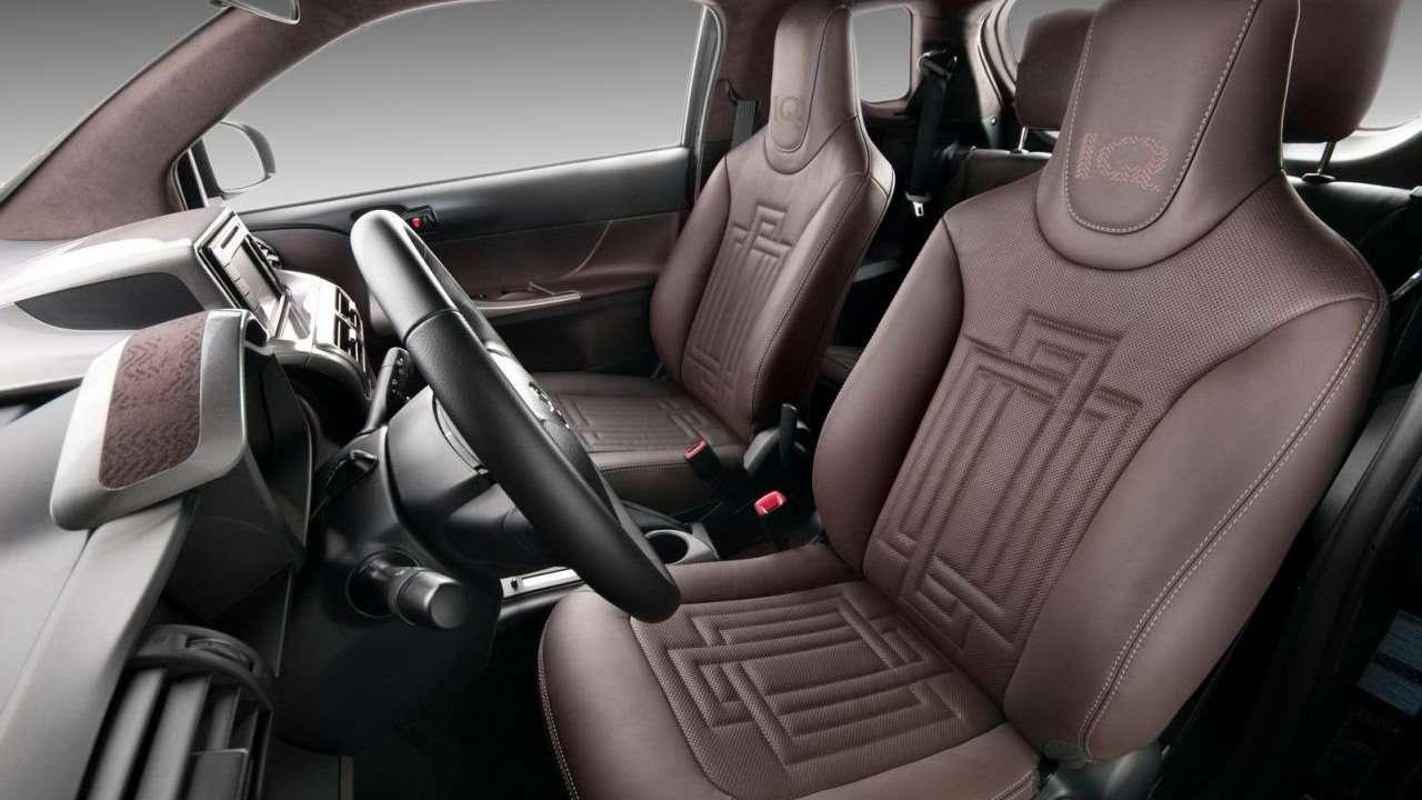 Toyota iQ 2009 интерьер