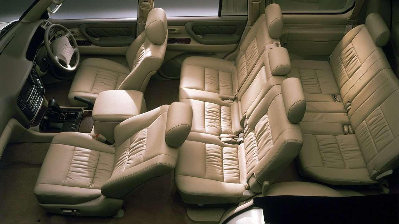 Все сиденья Land Cruiser 100
