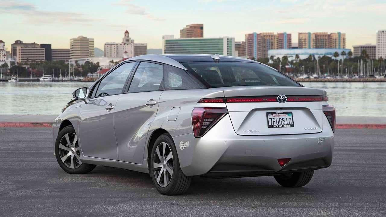 Корма водородной Toyota Mirai