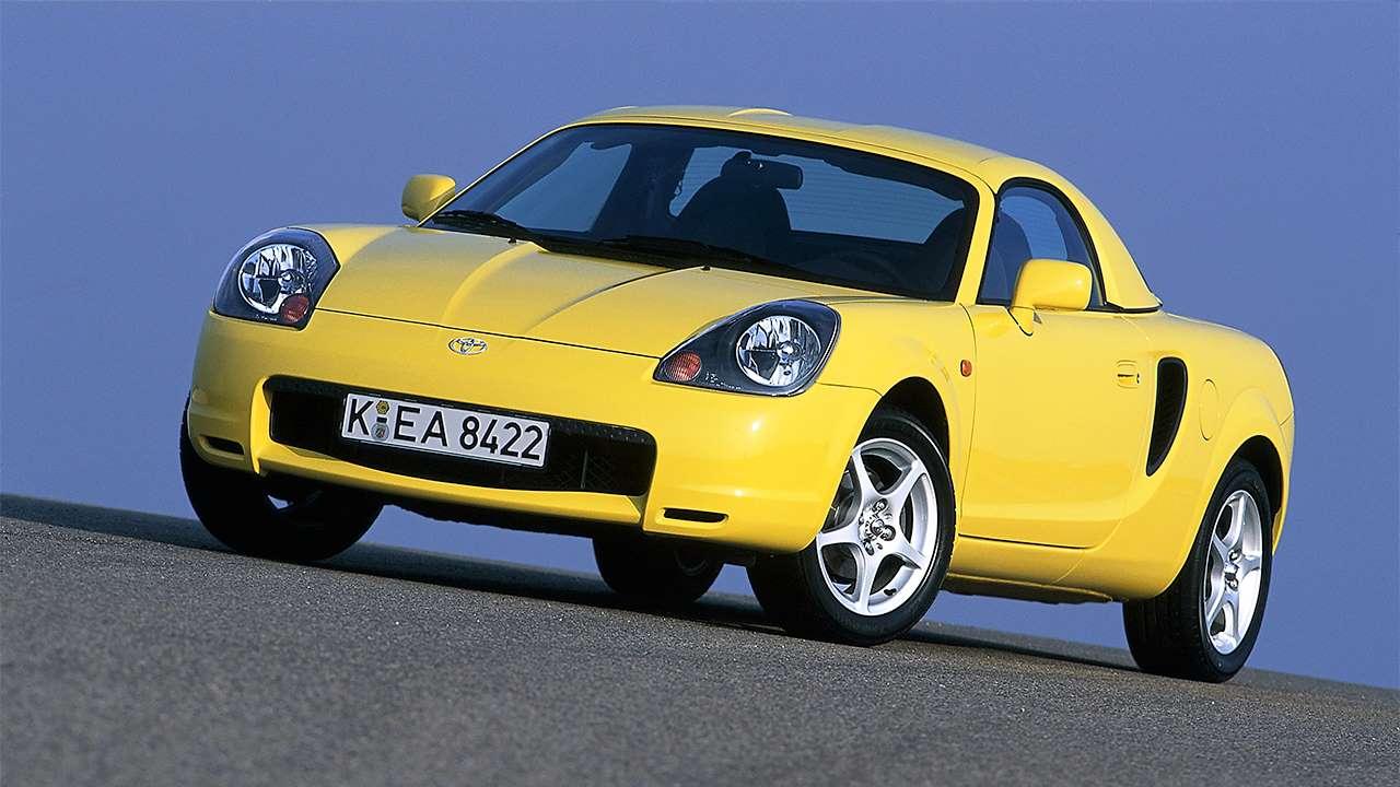 Желтая Toyota MR2 W30