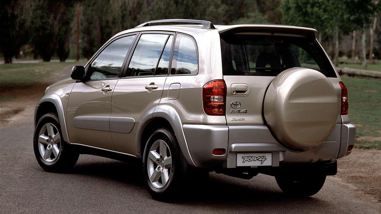Фото задней части Toyota RAV4 XA20