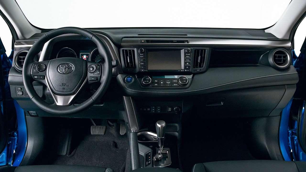 Toyota RAV4 XA40 салон