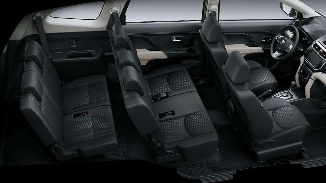 Три ряда сидений Тойоты Раш
