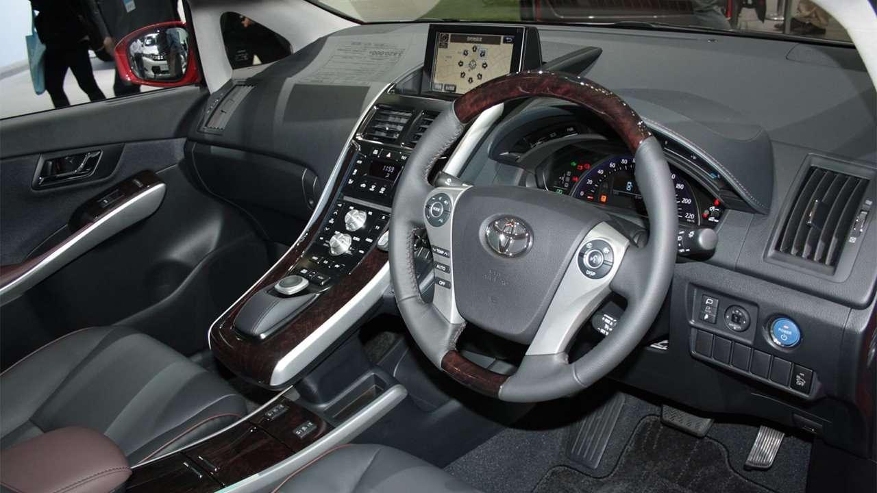 Салон Toyota Sai