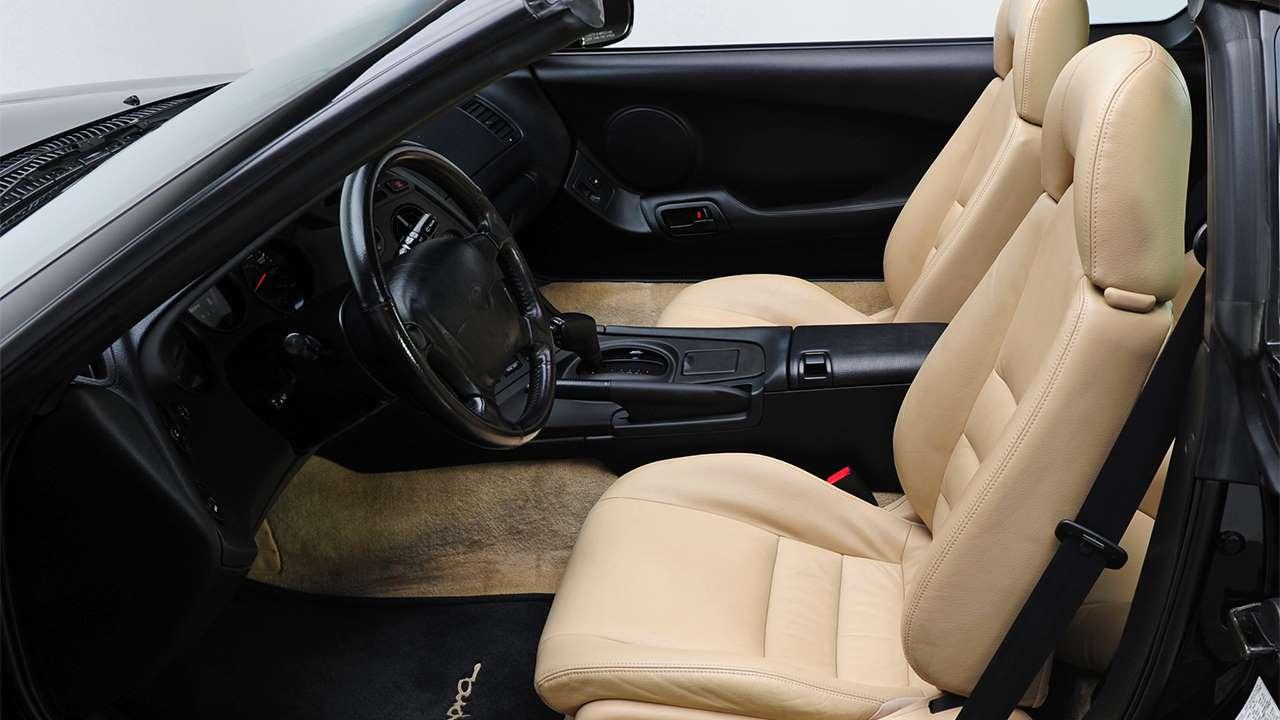 Передние сиденья Toyota Supra JZA80