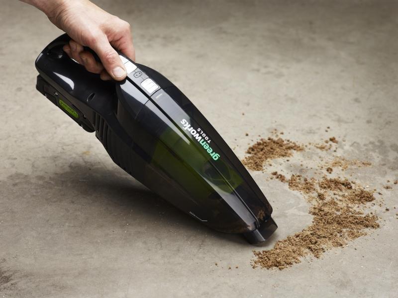 Аккумуляторный автомобильный пылесос