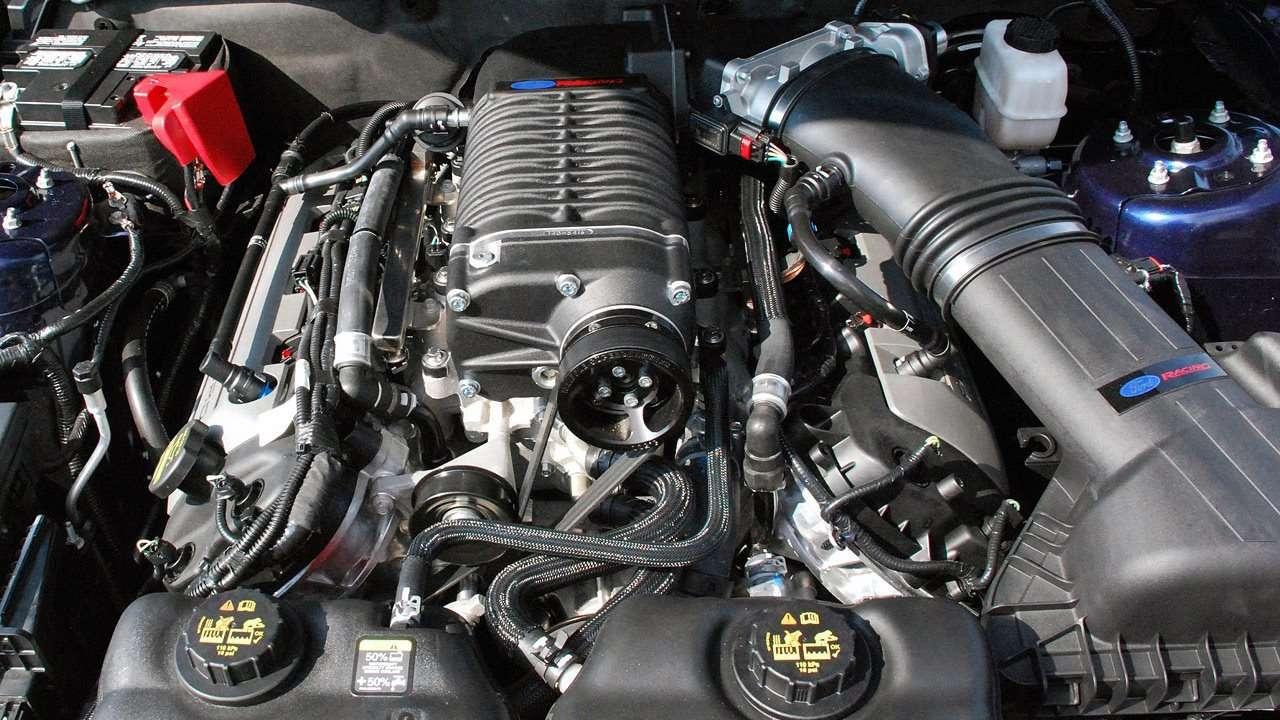 Мотор с компрессором
