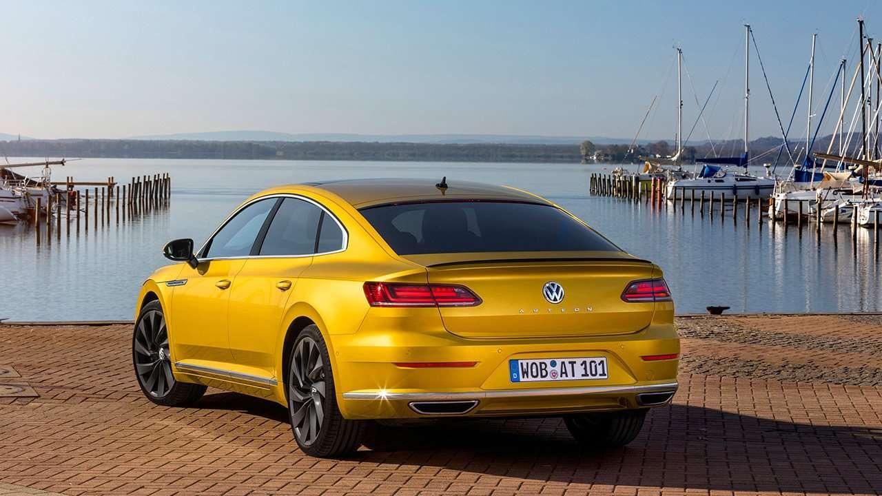 Volkswagen Arteon (2020-2021) фото сзади