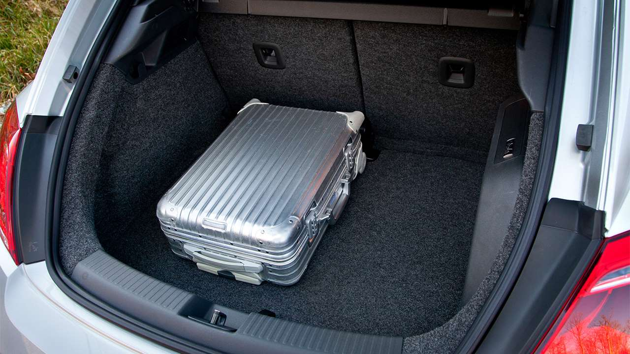 Фото багажника Volkswagen Beetle