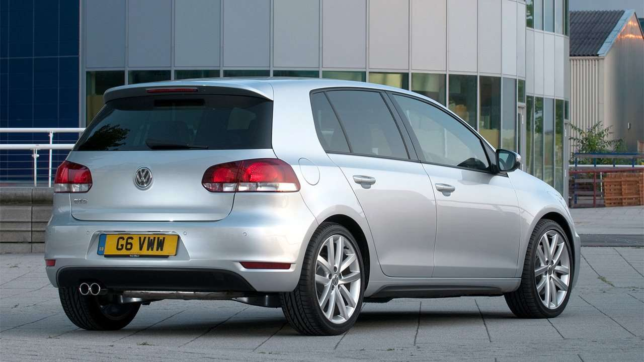 Фото кормы VW Golf 6