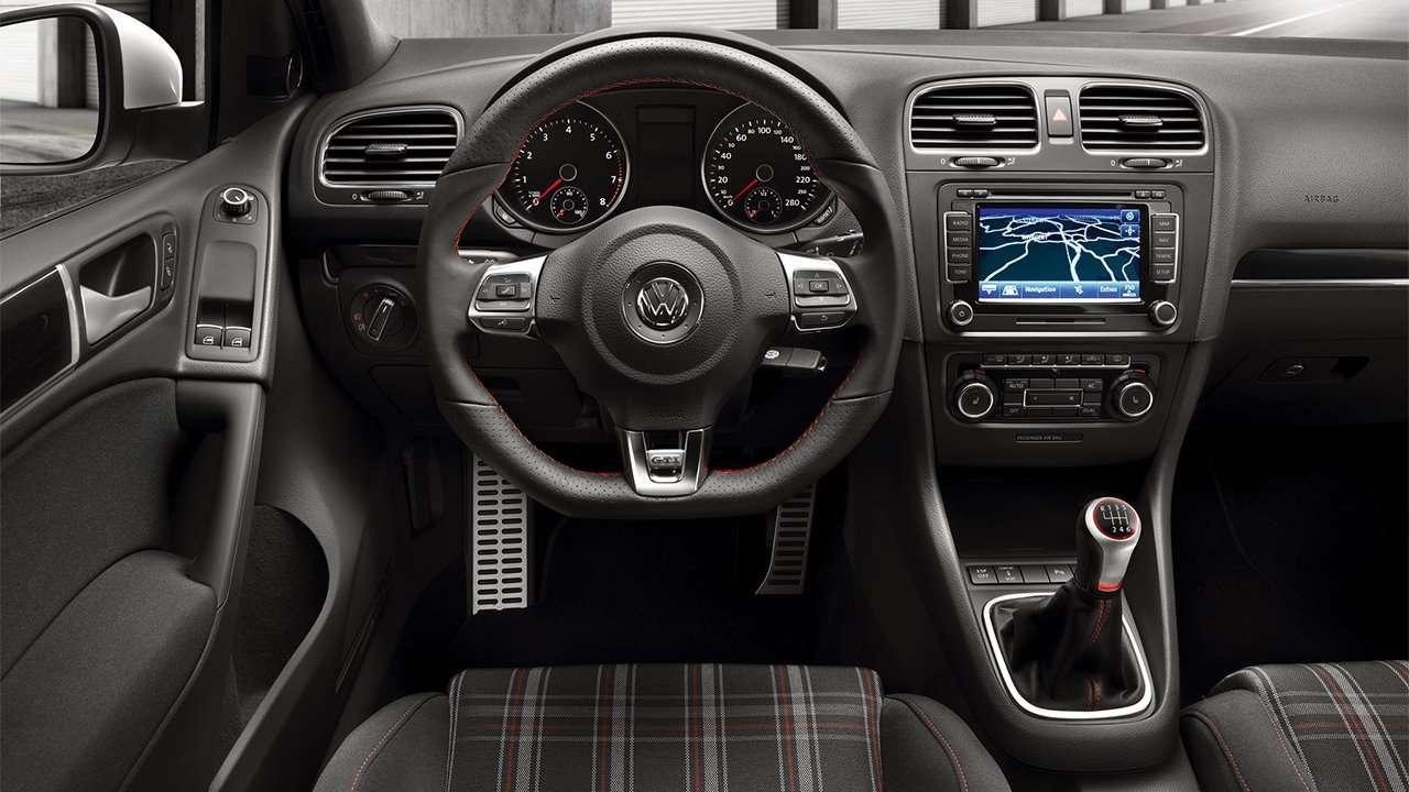 Салон шестого Golf GTI