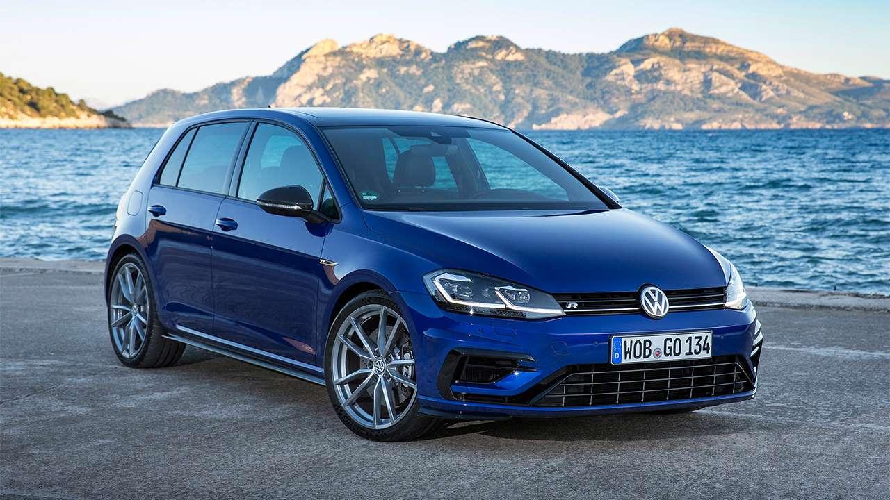 Volkswagen Golf R 2017-2018 фото спереди