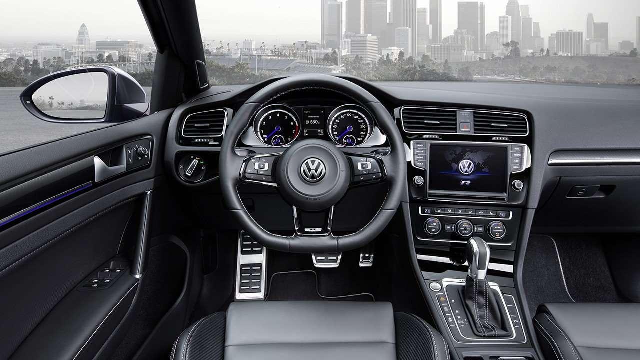 Volkswagen Golf R 2017-2018 салон