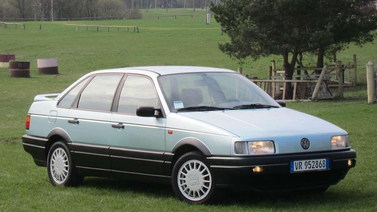 Передняя часть седана Volkswagen Passat B3
