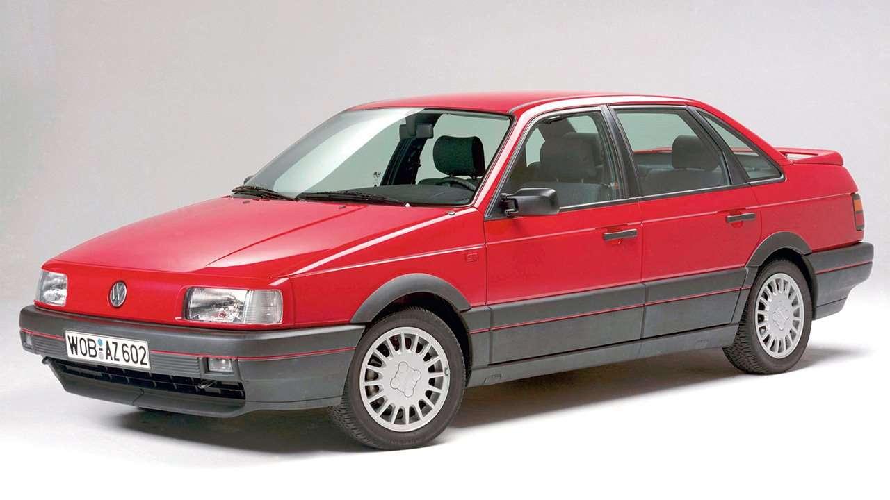 Фото красного Volkswagen Passat B3