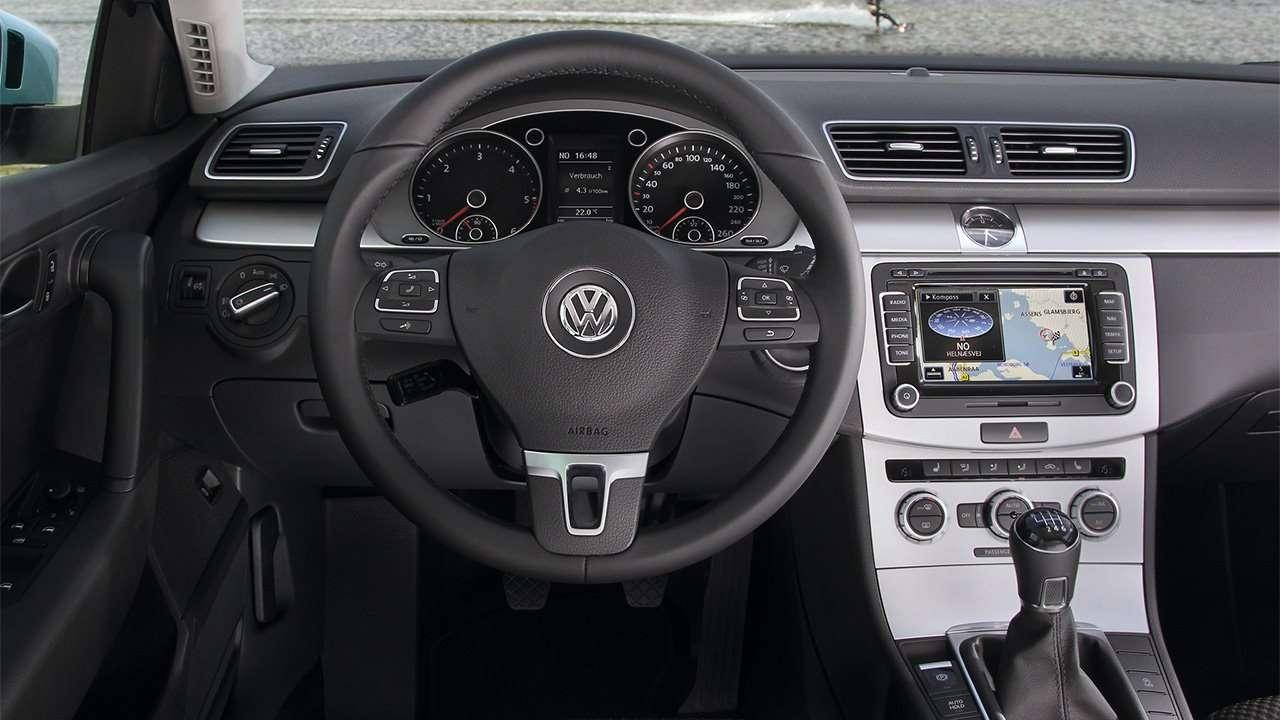 Фото салона Volkswagen Passat B7