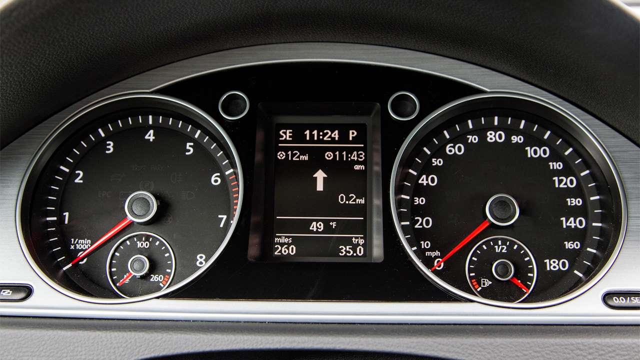Приборная панель Volkswagen Passat CC
