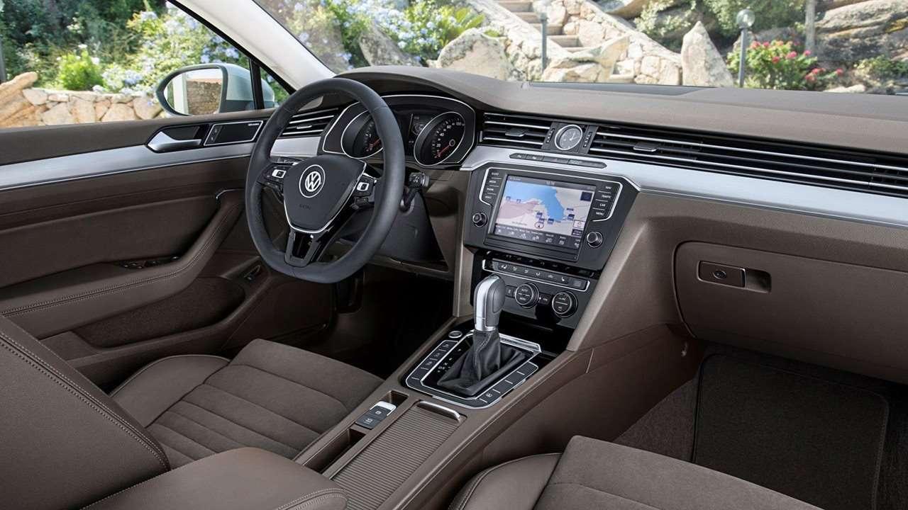 Volkswagen Passat B8 (2020-2021) салон