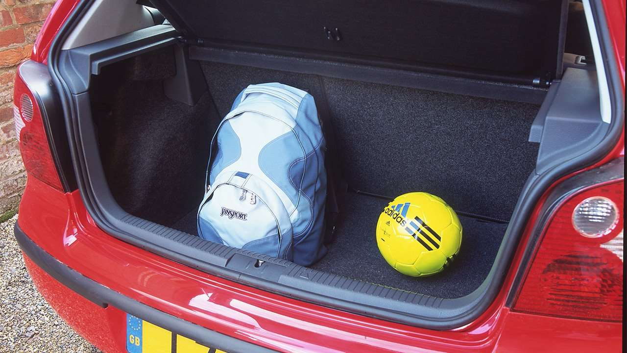 Фото багажника Volkswagen Polo 4