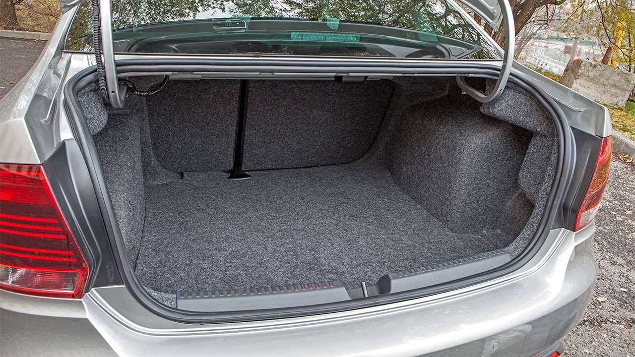 Фото багажника Volkswagen Polo 5